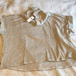 NWT cowl neck sort sleeve sweater